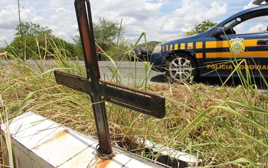 acidente na br 324 próximo ao povoado são joão2 - foto-raimundo mascarenhas