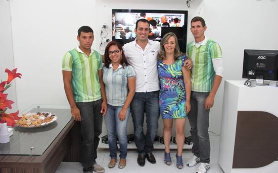 Equipe de Trabalho e diretores: Sérgio, Walesca, Eduardo e sua esposa Tânia e Jackson