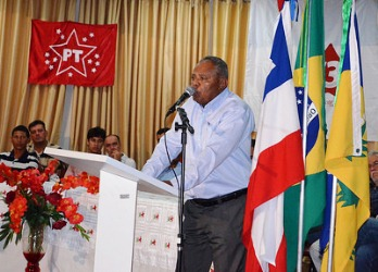 Aroldo conta com orgulho que na  fundação do partido estava lá ao lado do Lula