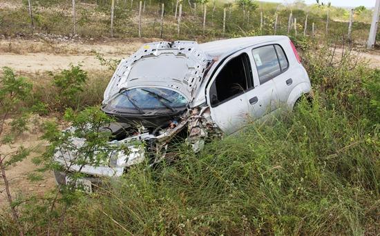 O capô abriu antes ou depois do acidente um questionamento de um popular que deverá ser investigado.