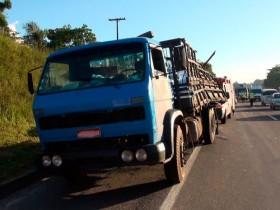 caminhão agua mineral