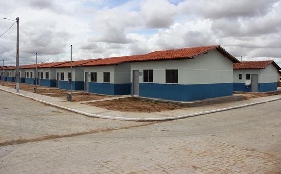 entrega de casas em araci -14- Raimundo Mascarenhas