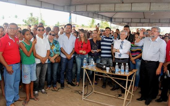 entrega de casas em araci -15- Raimundo Mascarenhas