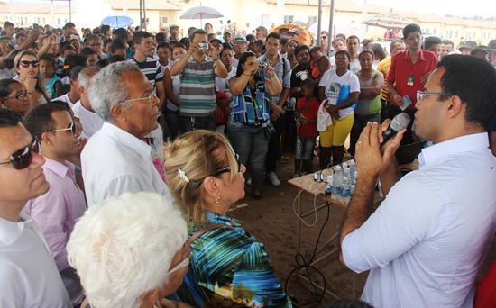 entrega de casas em araci -8- Raimundo Mascarenhas