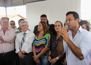 entrega de casas em araci -9- Raimundo Mascarenhas