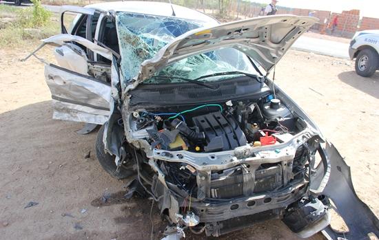 Mesmo sendo um veículo de menor porte o Palio causou grandes danos a S10