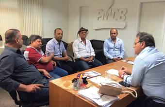 Nininho e outras lideranças estiveram recentemente no PMDB em Salvador e declarou apoio a Geddel e Paulo Souto.