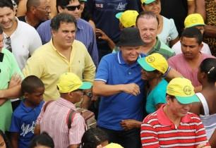 Zé Filho fez política ao lado de João carlos Bacelar (D) e Adolfo Menezes (E).