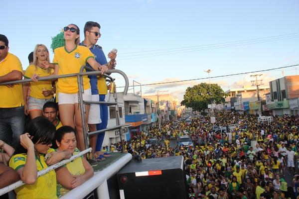 Comemoração do Brasil ao vencer o Chile - foto-Raimundo Mascarebhas (11)