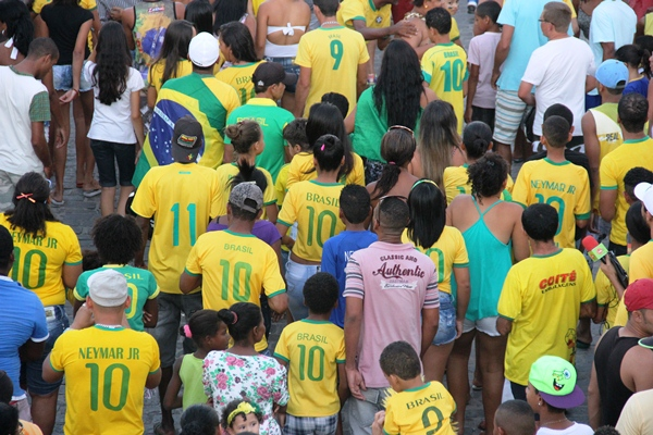 Comemoração do Brasil ao vencer o Chile - foto-Raimundo Mascarebhas (25)