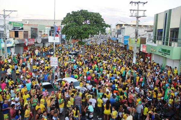 Comemoração do Brasil ao vencer o Chile - foto-Raimundo Mascarebhas (34)