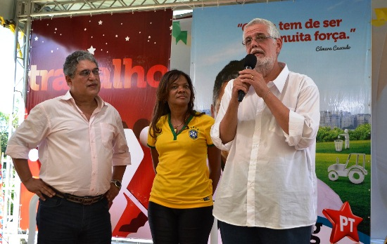 Jorge Solla ex-secretário de Saúde ao lado de Rilza e deputado Rosemberg