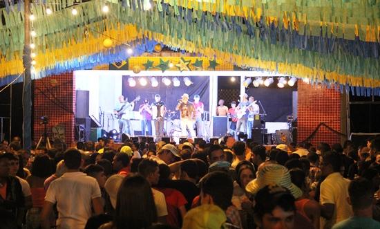 Mel 100 Pimenta segunda atração em Aroeira.