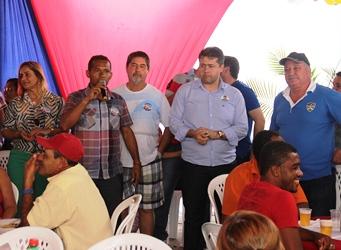 Vereador Beto do Ônibus desejou boas vindas aos candidatos e pediu emprenho pata melhor a qualidade de vida de Retirolândia.