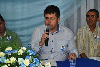 Alex tem o apoio do Grupo Inovar em Riachão do Jacuípe.