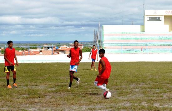 escolinha de futebol de Valente-des