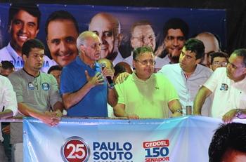 Paulo Souto criticou o governo do PT e perguntou o que Serrinha ganhou de importante com apoio dos petistas.