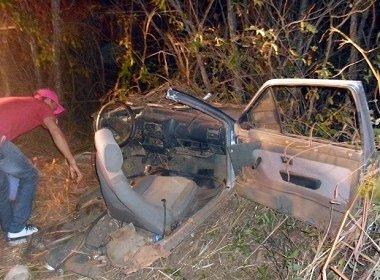Veículo partiu ao meio em acidente | Foto: Sigi Vilares