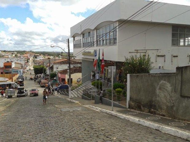 Bandidos invadiram a agência do Banco do Brasil