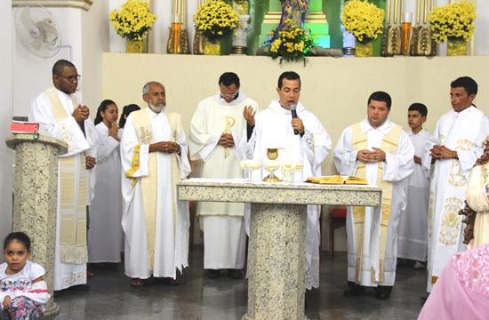 celebração de dez anos de padre charles - 1