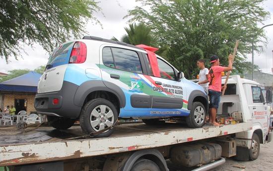 Câmara de Capela entrega carrro 0 km - foto- Raimundo Mascarenhas - Calila Noticias