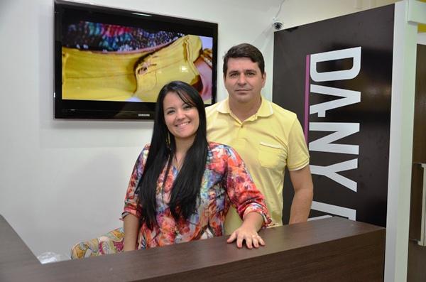 Dany Rosa e seu esposo Tony Carneiro empresário do ramo de alumínio.