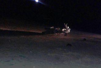 Motocicleta ficou mais de 10 metros de distância. Foto WhatsApp