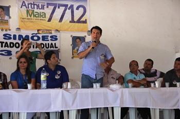 Sobre Artur Maia foi dito que está entre os maiores deputados do país, segundo a revista Veja, ele que mostrar seu potencial a região sisaleira de modo especial Valente.