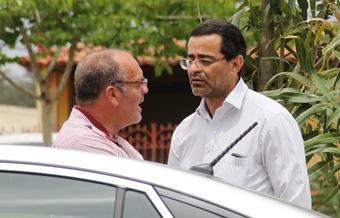 Prefeito George é do PSC disse que vota em Rui, mas não tem nada que identifique.