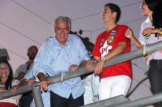 Outro assunto abordado por Otto foi a destituição do PSD de Nininho Góis e entregar ao prefeito Almirinho.