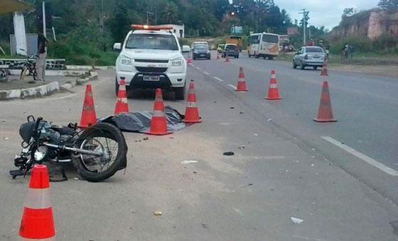 colisão de onibus com moto.2