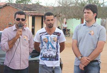 Sandro pediu aos moradores o apoio aquele que segundo ele trabalhou muito pelo município.