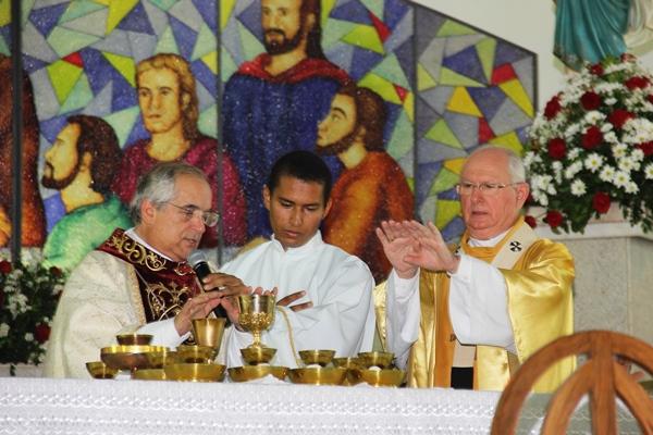 Celebração dos 30 anos de bispado de Dom Itamar Vian - foto- Raimundo Mascarenhas (28)