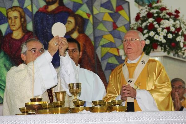 Celebração dos 30 anos de bispado de Dom Itamar Vian - foto- Raimundo Mascarenhas (30)