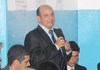 Manchinha defendeu a gestão de André Martins e atacou Noé Silvestre.
