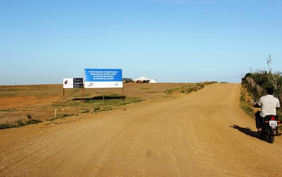 Em Novembro de 2014 o CN esteve no terreno e registrou essa foto em pleno serviço de terraplenagem.