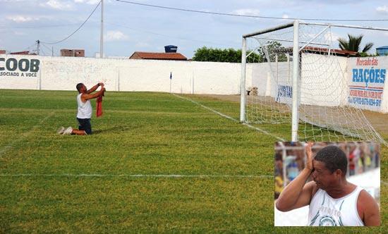 O torcedor conhecido por Bujão ainda no primeiro tempo, entrou no gramado para segundo ele fazer uma oração, mas  infelizmente não deu.