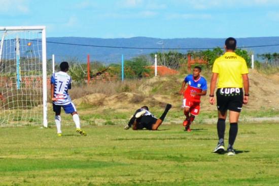 Robinho foi o carrasco contra SAJ.3 gols em dois jogos.