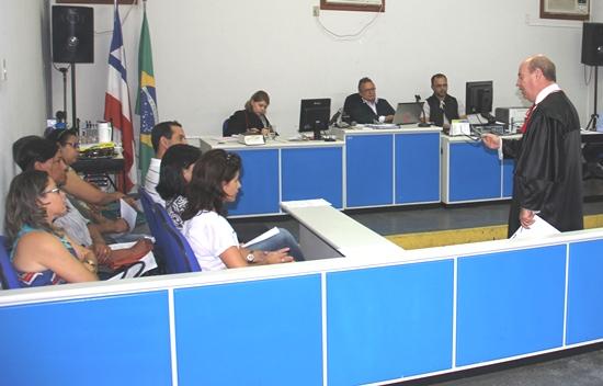 tribunal do juri- dr resedá