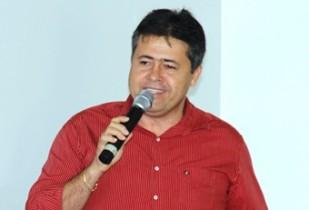 Alex tem participado ativamente dos movimentos católicos da Diocese de Serrinha.