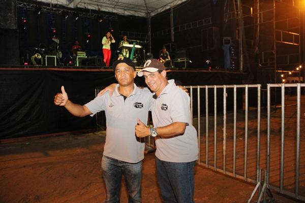 Miguel e Dica comemoraram o sucesso da festa.