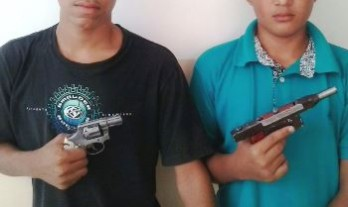Menores armados próximo a um colégio o delegado suspeita que podem ter participação com roubo de celulares, mas ele negaram.