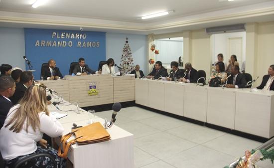 Antes de finalizar os trabalhos os oposicionistas foram ao plenário.