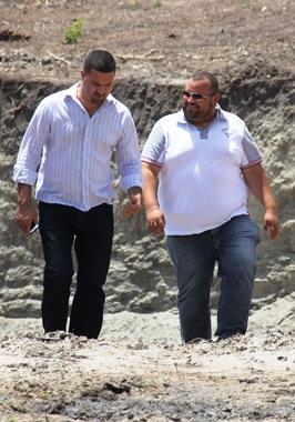 Zé Silva ao lado do prefeito de Serrinha e presidente do CONSISAL Osni Cardoso.