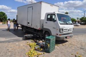 Vítima seguia pela BR 116 quando foi surpreendida pelo caminhão que saia de uma churrascaria.