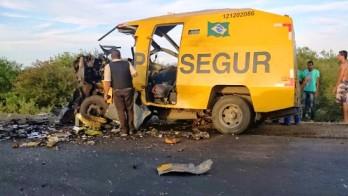 """Bandidos não tem encontrado dificuldade para destruir os """"carros fortes"""""""