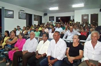 Publico lotou o plenário para acompanhar a posse