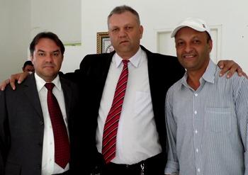 Romerinho (esquerda) deverá confirmar o rompimento com o prefeito. Nininho (direita) comemorou muito o resultado da eleição