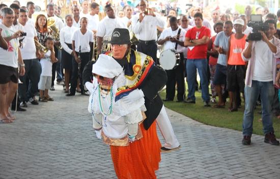 """A cultura popular é idêntica a """"mulinha"""" muito praticada na região do sisal de modo especial Coité e Araci."""