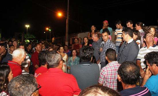assis inauguração da Praça do Batom2